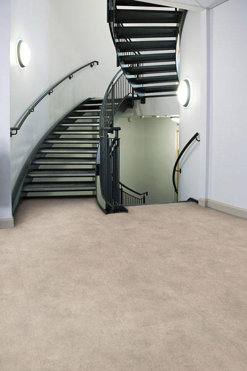 vinylova podlaha lepena Amtico First SF3S3592 Ceramic Ecru v interiéru