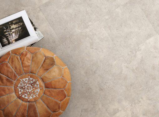 vinylova podlaha lepena Amtico First SF3S3598 Bottocino Grey v interiéru