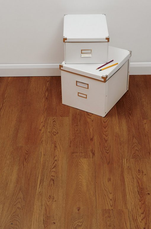 vinylova podlaha lepena Amtico First SF3W2497 Celtic Oak v interiéru