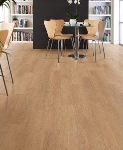 vinylova podlaha lepena Amtico First SF3W2549 Limed Wood Natural v interiéru