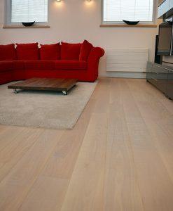 drevena-podlaha-2vrstva-esco-harfa-prirodni-v-interieru-2