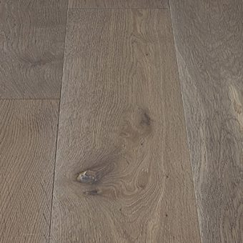 drevena-podlaha-berthold-atelier-erika-zakoureny-bily-jemne-kartacovany