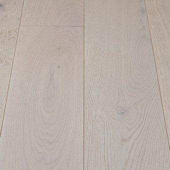 drevena-podlaha-berthold-atelier-heino-kryci-bila-jemne-kartacovany