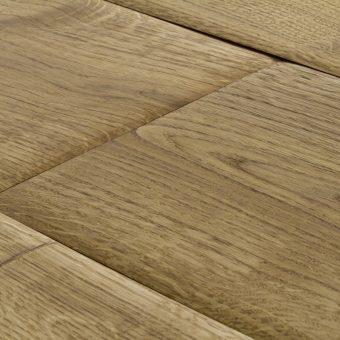 drevena-podlaha-berthold-studio-antje-rucne-opracovane-hrany-zakoureny-prirodni-olej-2