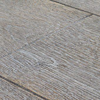 drevena-podlaha-berthold-studio-fabio-kartacovany-bila-patina-lesteny-2