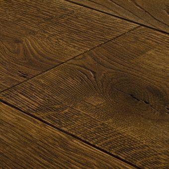 drevena-podlaha-berthold-studio-felix-piskovany-silne-zakoureny-prirodni-olej-lesteny-2