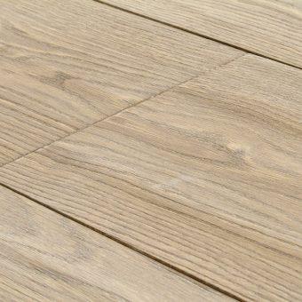 drevena-podlaha-berthold-studio-matteo-rucne-hoblovany-kartacovany-zakoureny-vanilkovy-olej-2