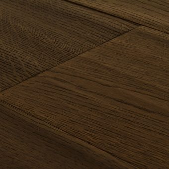 drevena-podlaha-berthold-studio-nils-rucne-hoblovany-kartacovany-silne-zakoureny-pistaciovy-olej-2