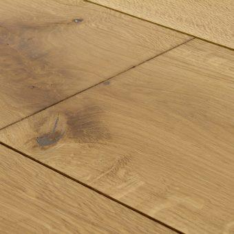 drevena-podlaha-berthold-studio-olivia-rucne-opracovany-lehce-zakoureny-vanilkovy-olej-2