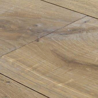 drevena-podlaha-berthold-studio-ruben-rucne-opracovany-zakoureny-bily-olej