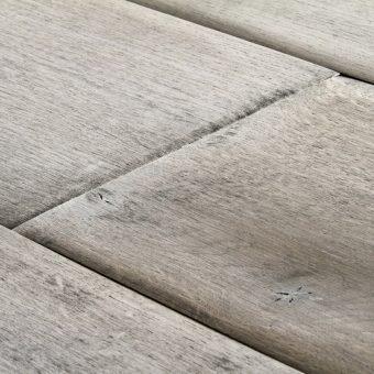 drevena-podlaha-berthold-studio-vera-rucne-opracovane-hrany-sedy-olej-2