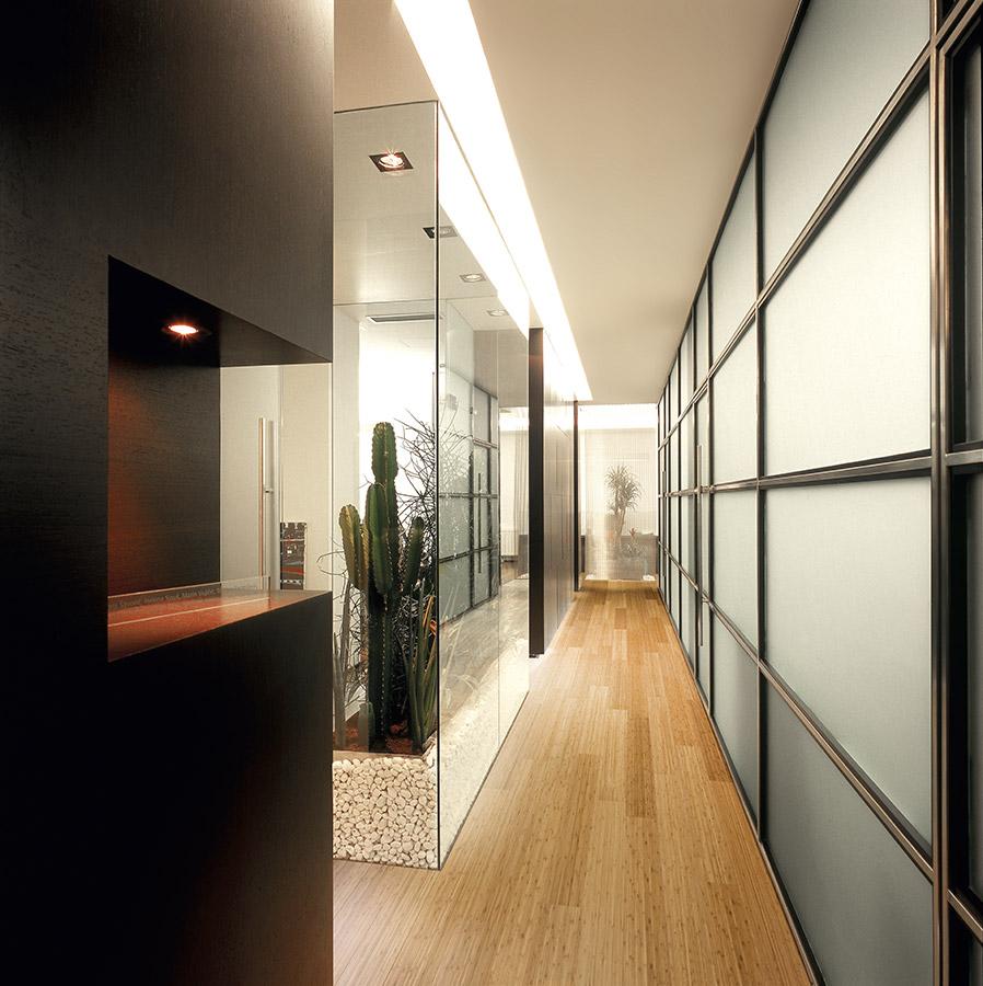 Dýhovaná dřevěná bambusová podlaha PAR-KY Lounge Bamboo Steamed 307 Bambus tmavý.