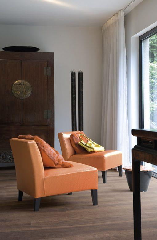 dyhovana-drevena-podlaha-par-ky-lounge-smoked-walnut-203-orech-americky-v-interieru