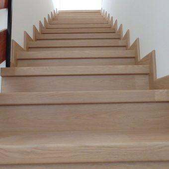 schody-oblozene-vinylem-2