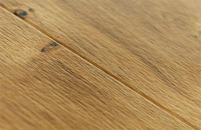 vinylova-podlaha-lepena-amtico-first-spoj-podlahy