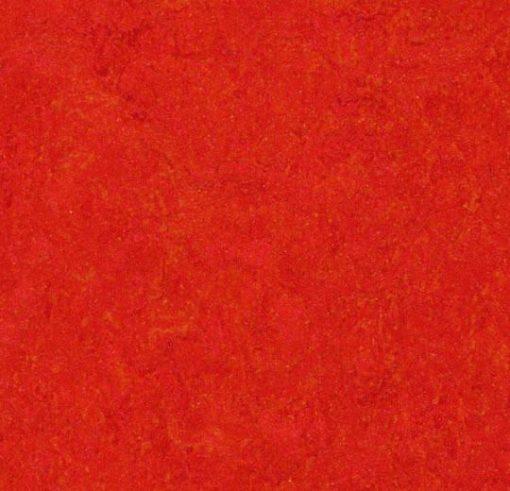 marmoleum-click-scarlet-333131