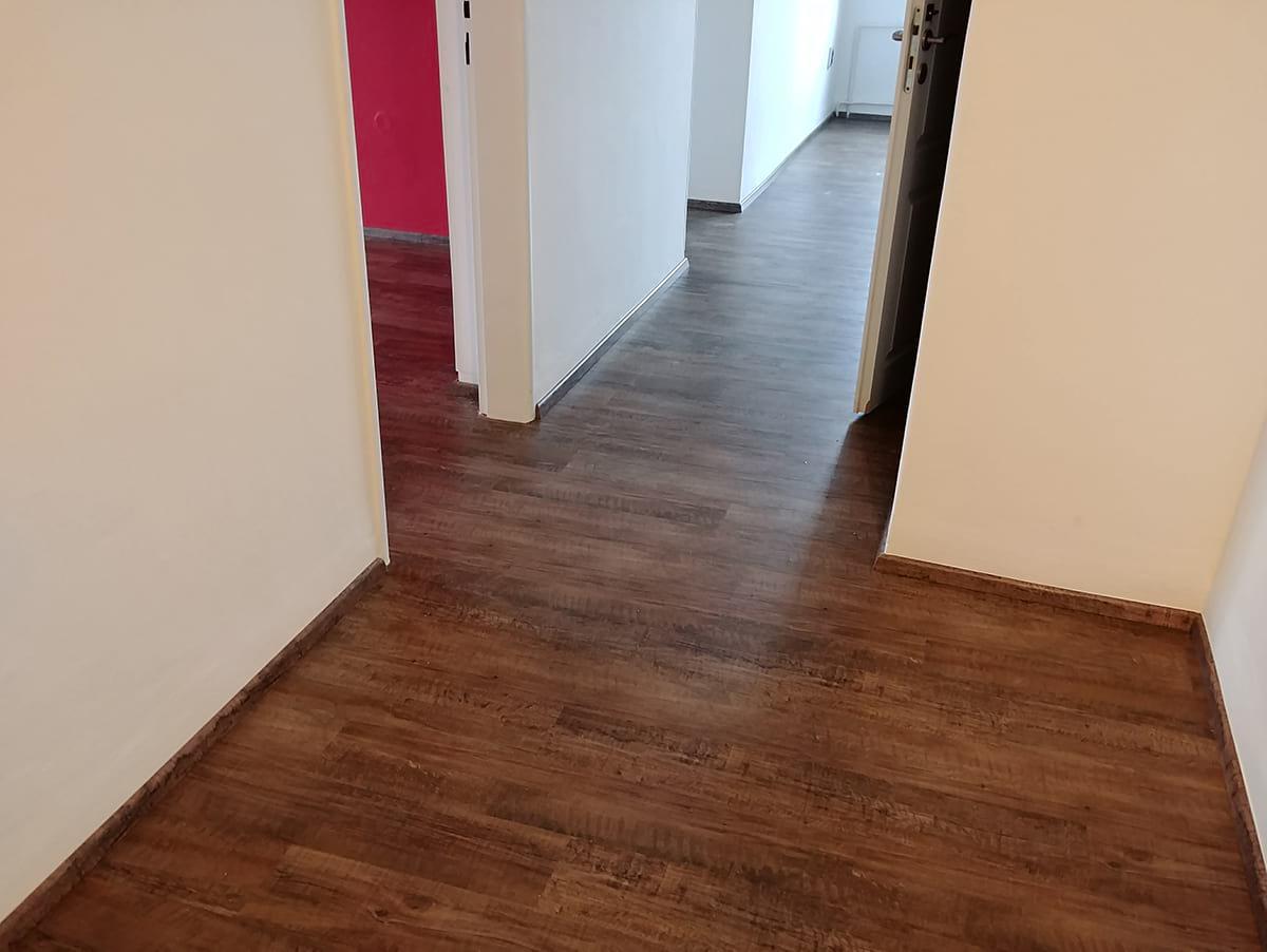 vinylová podlaha realizace v bytě