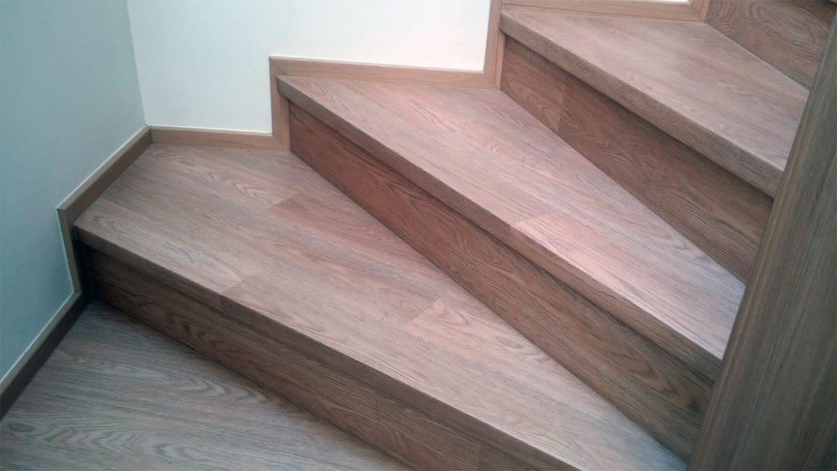 vinylove schody s nosem