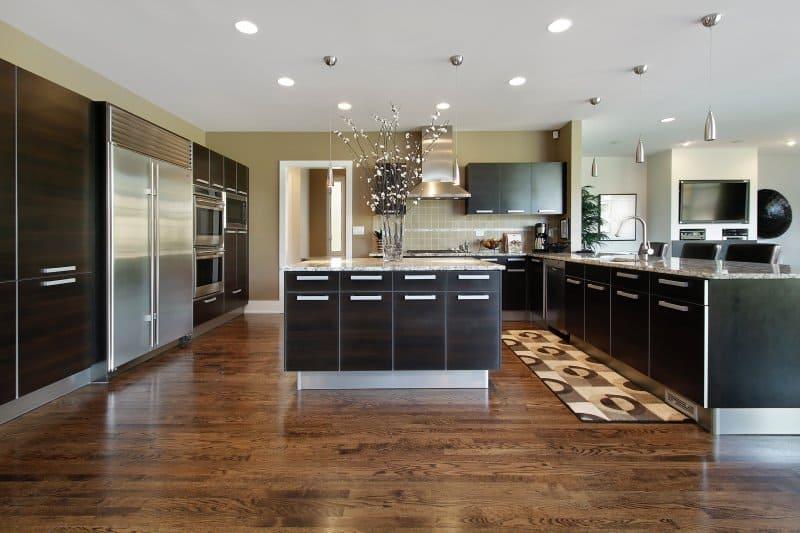 Plovoucí podlaha v kuchyni.