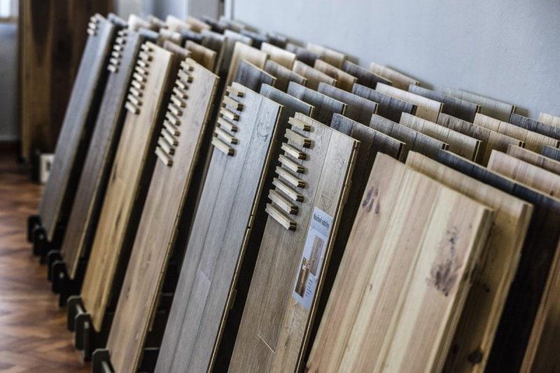 Vzorky plovoucích podlah.