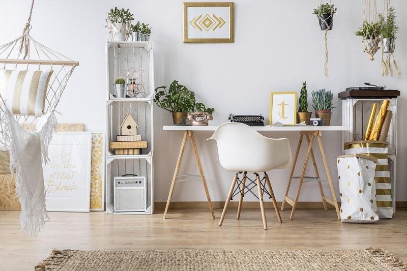 Pokoj ve skandinávském stylu bydlení.