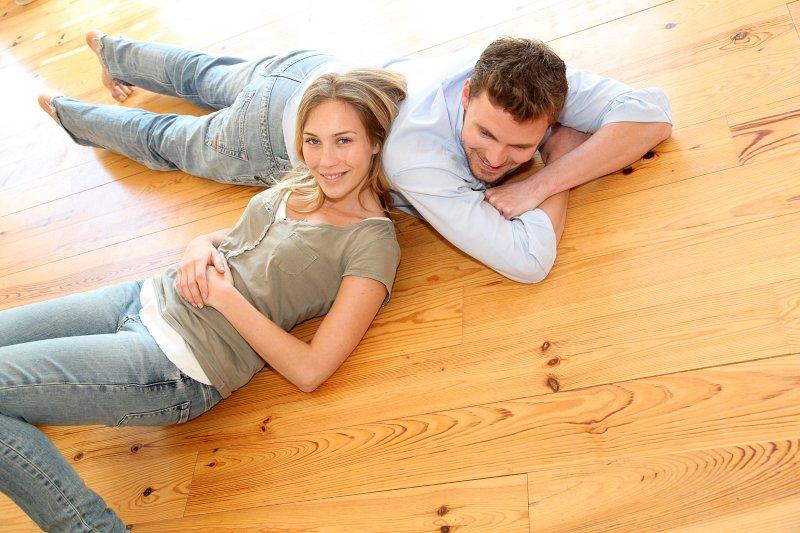 Podlahové palubky jsou z masivu.