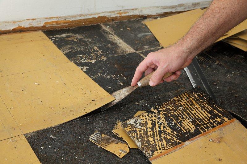Odstranění staré podlahy.