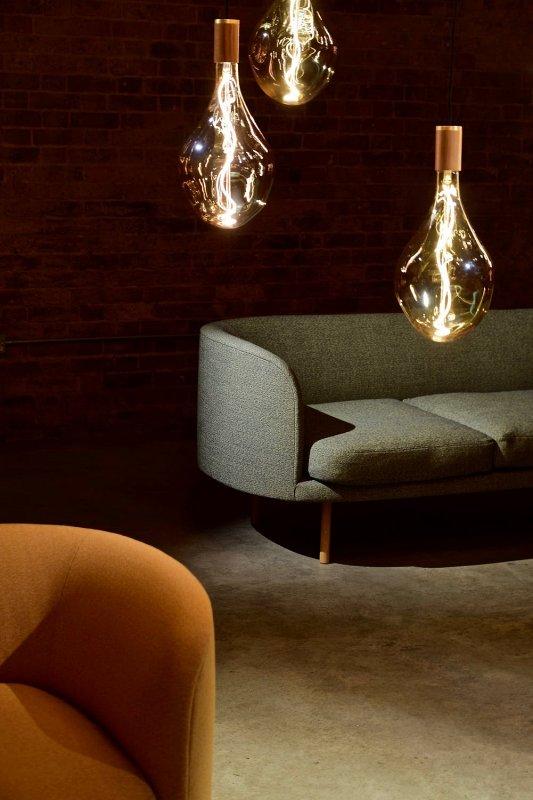 Žárovky s viditelným vláknem.