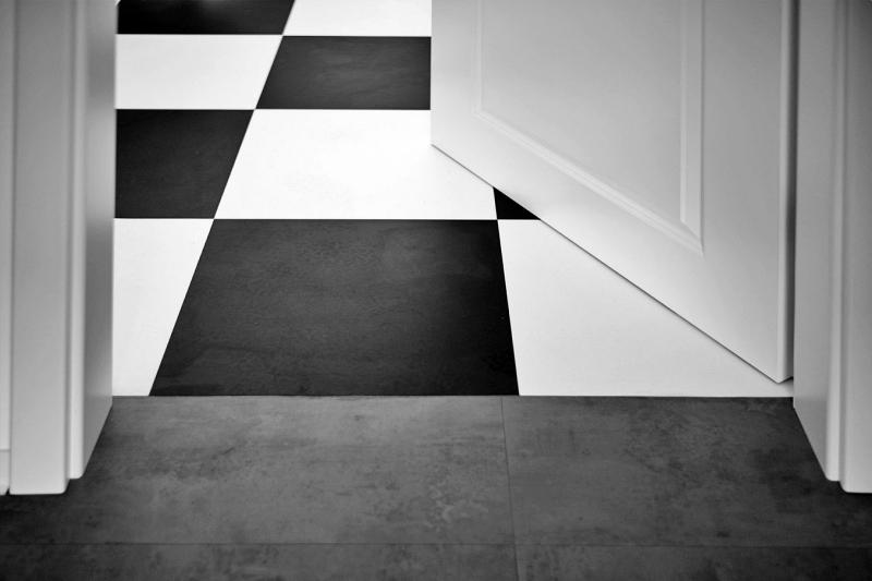 Račte vstoupit. Zahrajeme si šach?